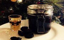 Как настоять самогон на черносливе, рецепты