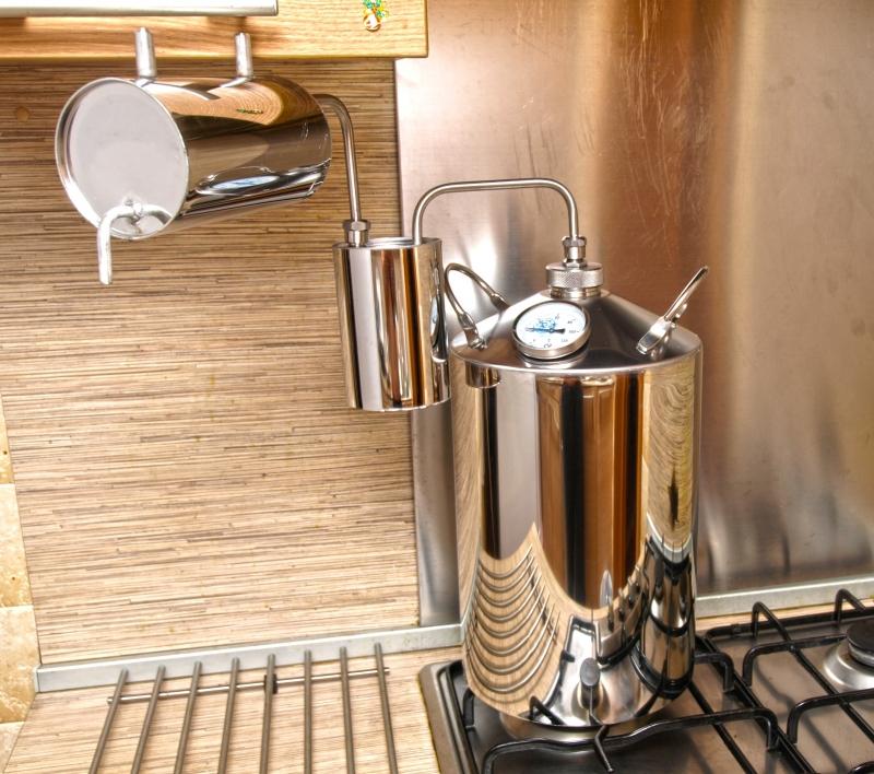 Декор стен иКак Холодильник к самогонному аппарату